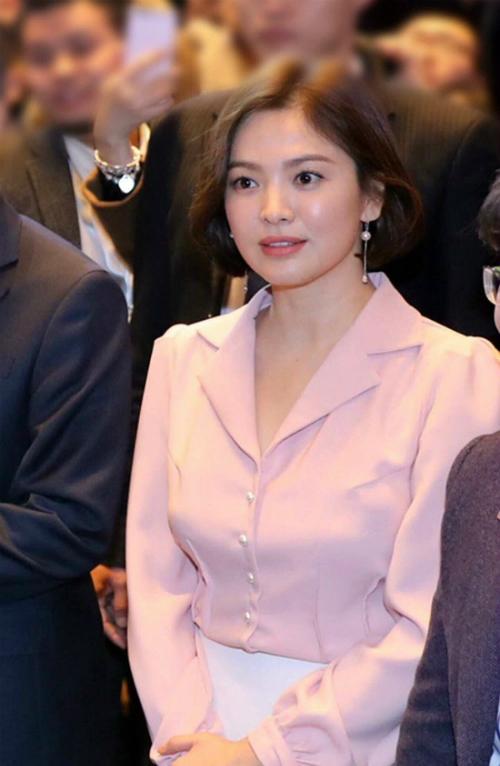 song-hye-kyo-lay-lai-phong-do-voi-toc-ngan-xinh-tuoi-1