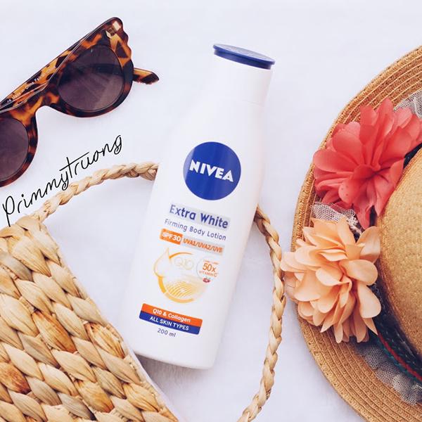 Nivea Extra White Firming Body Lotion Sữa dưỡng thể của Nivea có chứa collagen và vitamin C chiết xuất từ thiên nhiên, có khả năng phục hồi hư tổn và dưỡng trắng da.Giá tham khảo: 80.000 đồng