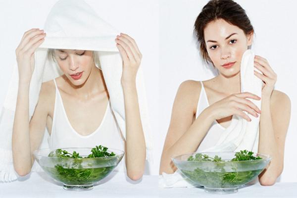 Xông hơi da mặt một lần mỗi tuần để giúp thải độc da, làm sạch sâu, giúp các dưỡng chất thẩm thấu vào da tốt hơn.