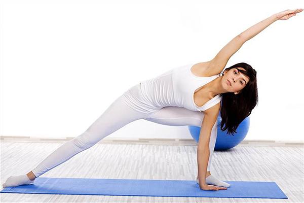 Nếu cả năm vừa rồi bạn đặt mục tiêu tập thể dục nhưng vẫn chưa thực hiện được thì hãy bắt đầu ngay từ bây giờ. Tập thể dục vừa tốt cho sức khoẻ, vừa là cách làm đẹp da hữu hiệu.