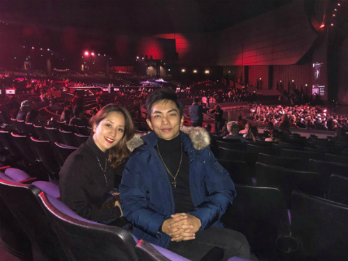 Đôi vợ chồng cùng đi xem show của Briney Spears tại Las Vegas.
