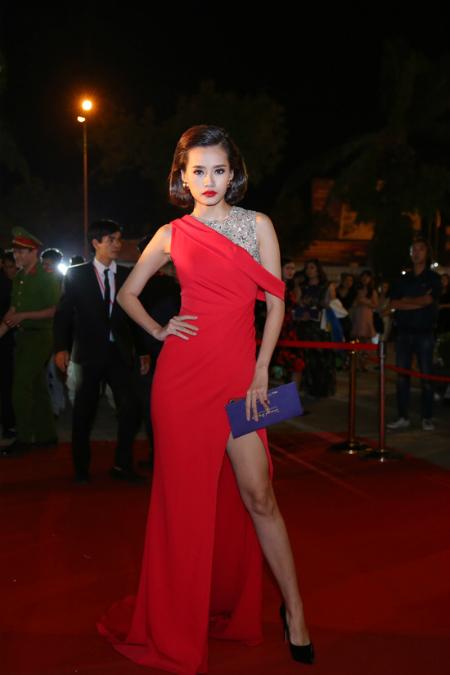 Chân dài Kim Chi của The Face