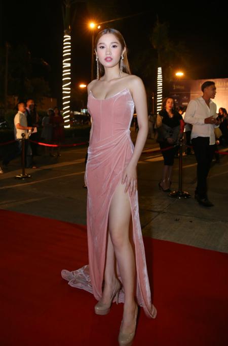 Diễn viên Quỳnh Hương của phim SOS Sói trắng.