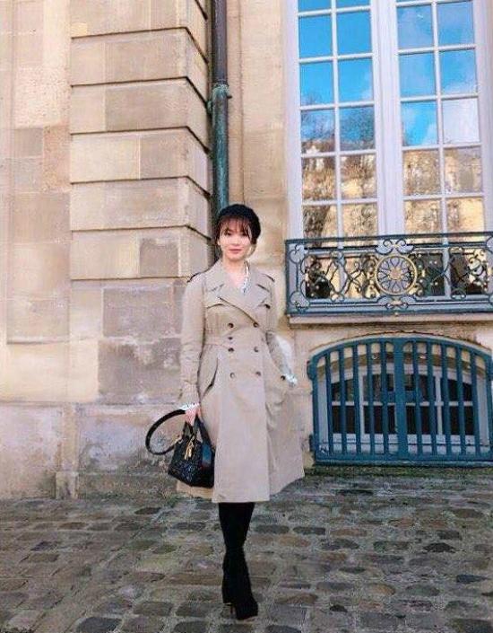 Song Hye Kyo khoe sắc rạng rỡ tại Tuần lễ Thời trang Paris - 3