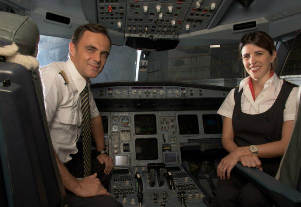 Hãng hàng không có phi hành đoàn đẹp trai nhất thế giới - 11