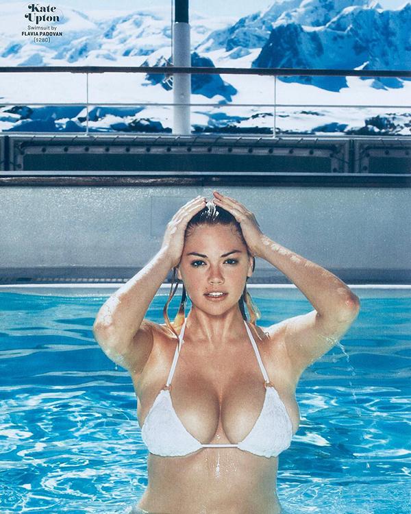 Người mẫu sinh năm 1992 nổi tiếng với vòng một tự nhiên căng tròn, quyến rũ.