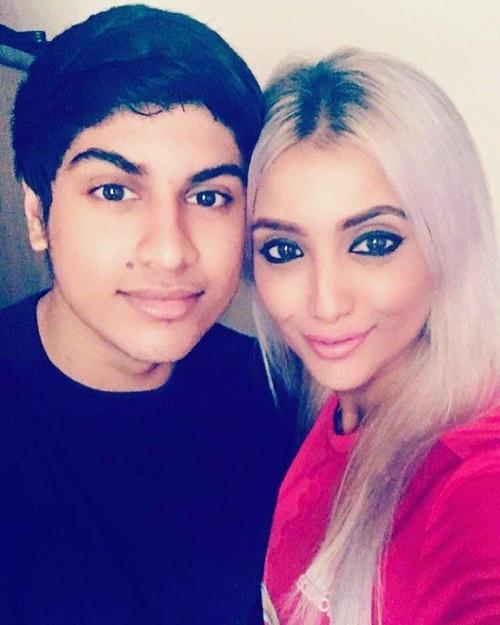 Shimmi và con trai Ameen, 20 tuổi. Ảnh: Focus Features