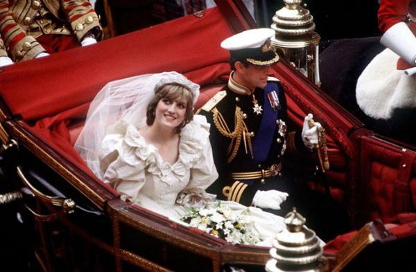 Những lần Diana chống đối lại các quy tắc của hoàng gia - 1