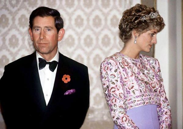 Những lần Diana chống đối lại các quy tắc của hoàng gia - 6