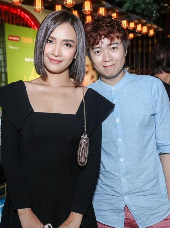 Ái Phương (trái) và nhạc sĩ Phạm Toàn Thắng.