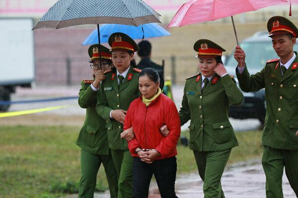 Bị cáoBùi Thị Kim Thu tại tòa sáng 29/12.