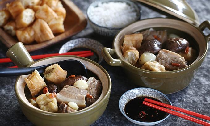 Món 'trà xương lợn' cho người ăn xin nổi tiếng ở Singapore