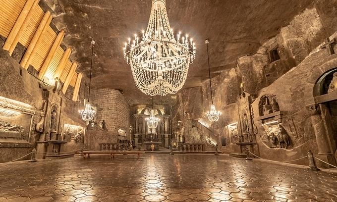 Mỏ muối đá tự nhiên tựa cung điện