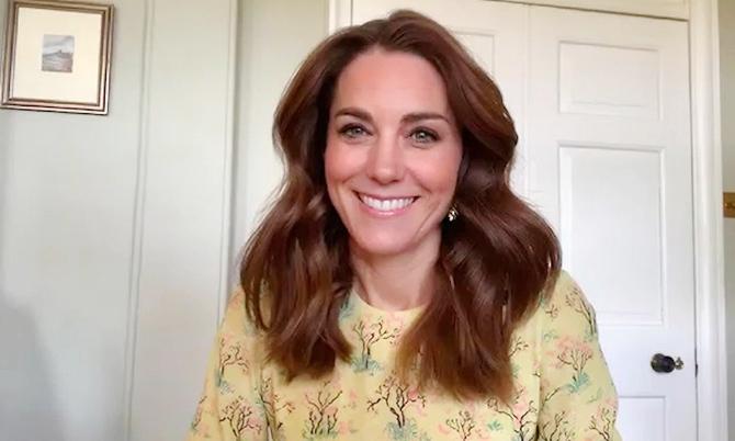 Kate tự làm stylist trong thời gian cách ly