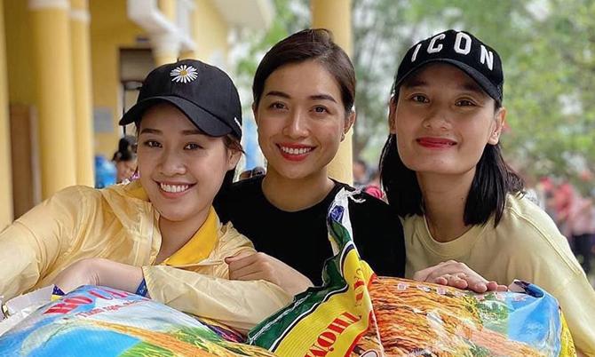 Nhan sắc ít son phấn của dàn hoa hậu Việt