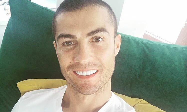 C. Ronaldo khỏi Covid-19