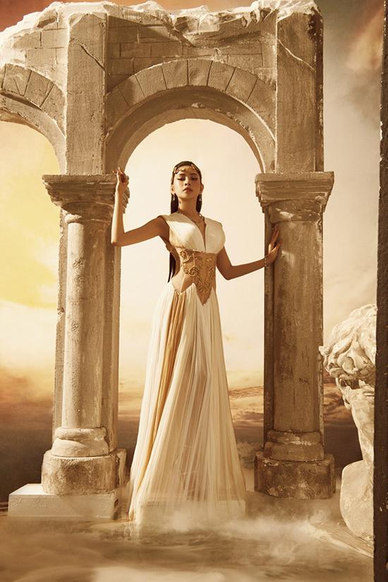 Chi Pu, Ngọc Trinh mặc váy hở bạo của Đỗ Long - 12