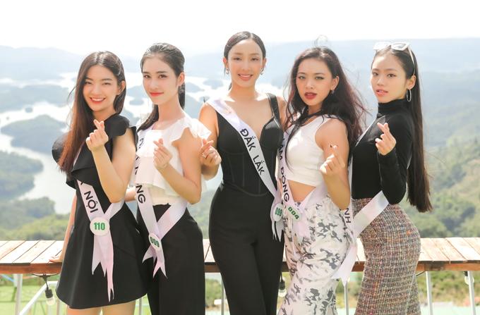 Hoa hậu Du lịch Việt Nam 2020 quy tụ các nhan sắc đến từ ba miền Bắc - Trung - Nam. Các thí sinh tỏ ra tự tin, tự trang bị cho mình nhiều kiến thức về văn hóa, xã hội, du lịch khi đến với sân chơi này.