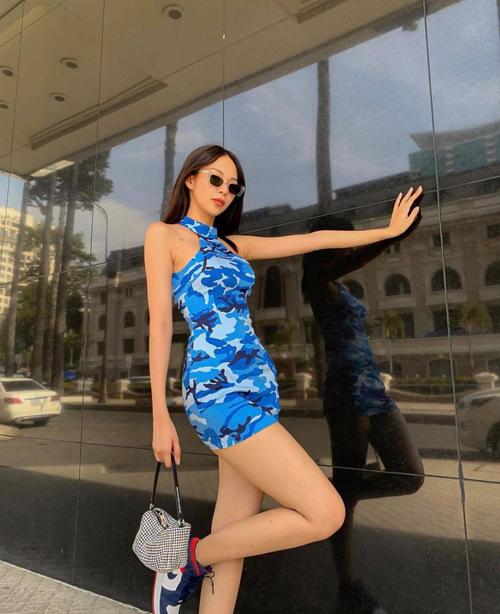 Ngoài công thức phối chân váy rời tiện lơi như Thanh Hằng, hội chị em mê mặc đẹp có thể tham khảo thêm cách diện đầm ôm khoe body của Phí Phương Anh và nhiều sao Việt.