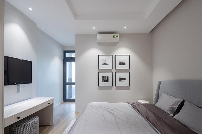 Đối với các phòng ngủ khác, các gam màu trung tính cùng lối trang trí tinh gọn, thanh thoát vẫn được tuân thủ để mang đến tổng thể không gian hài hoà, cân đối.