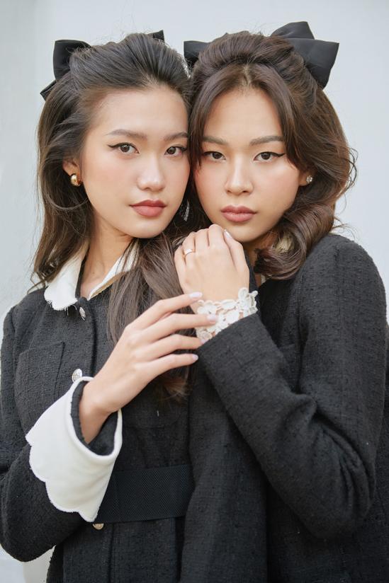 Doãn Hải My và Phí Phương Anh ton-sur-ton như chị em.