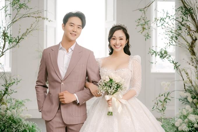 Ảnh cưới của Đức Hiếu và Thùy Linh.