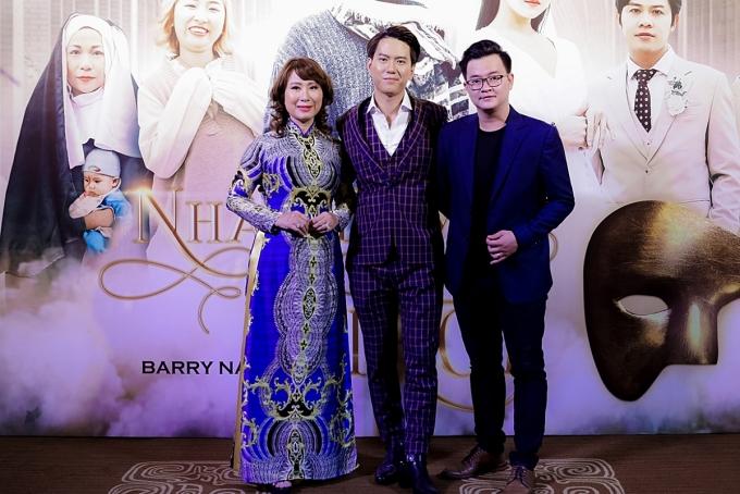 Nguyễn Minh Cường bày tỏ: Có lẽ ở một vài nốt nhạc đầu tiên Barry Nam Bảo cất lên,