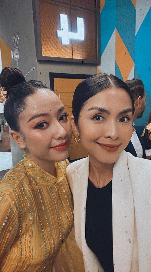 Tăng Thanh Hà selfie cùng Băng Di khi xem phim Cậu vàng.