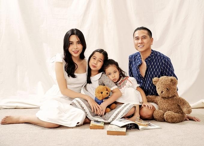 Gia đình Lưu Hương Giang - Hồ Hoài Anh.
