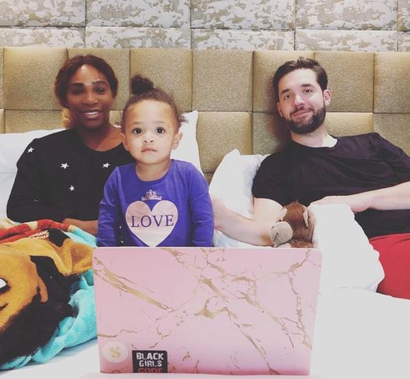 Serena bên chồng - thương gia Alexis Ohanian và con gái. Ảnh: Instagram.