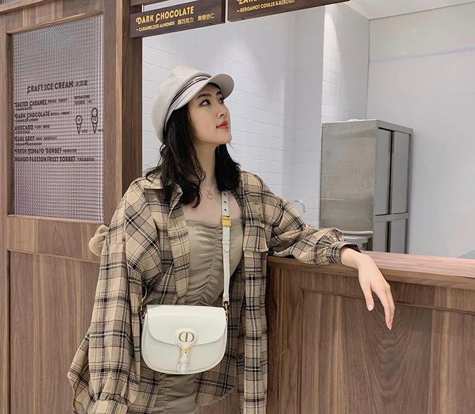 Công chúa Huawei phủ toàn hàng hiệu - 15
