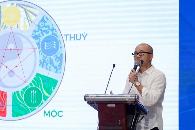 Kiến trúc sư Phạm Thanh Truyền đánh giá cao quy hoạch cũng như kiến trúc thông minh, kết nối thiên nhiên tại Aqua City. Ảnh: Novaland.