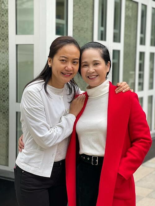 Diễn viên Lan Hương vui vì cả trong phim lẫn đời thường, lúc nào cũng có Hồng Ánh đồng hành.
