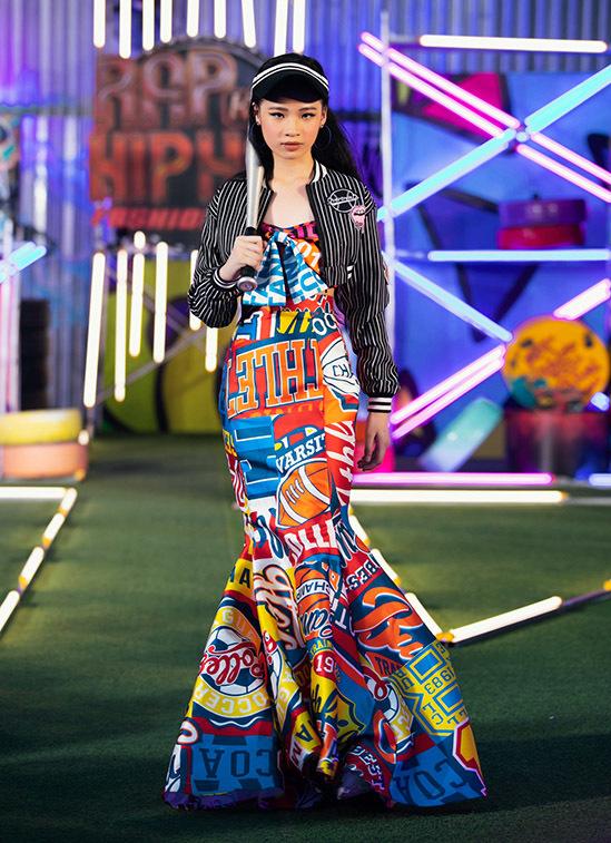 Chiều cao hơn 1,6 m khiến Bảo Hà trông giống một người mẫu trưởng thành trong show Rap Hip Hop Kids.
