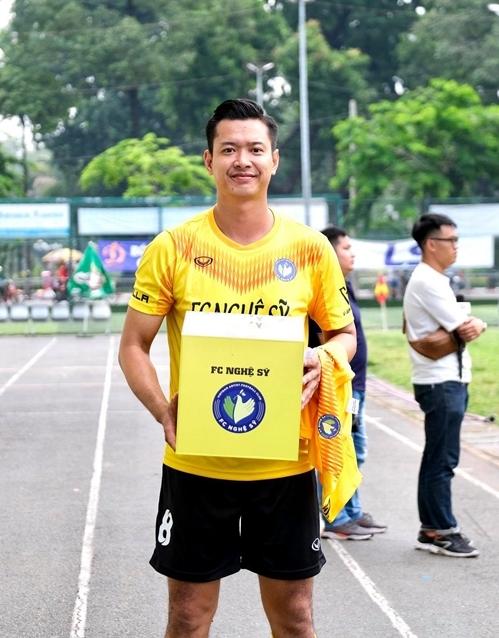 Người mẫu Hồ Đức Vĩnh là đội trường, đồng thời sáng lập đội bóng. Anh kết nối nhiều nghệ sĩ trong đó có Thanh Duy đến với tổ chức này.