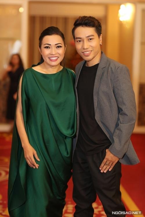 Ca sĩ Phương Thanh đóng vai tú bà.