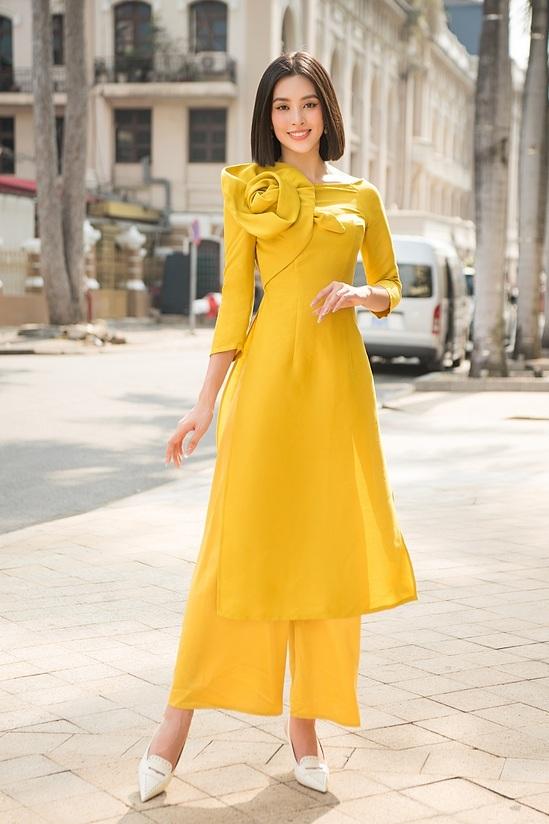 Đỗ Mỹ Linh, Tiểu Vy diện áo dài đôi du xuân - 8