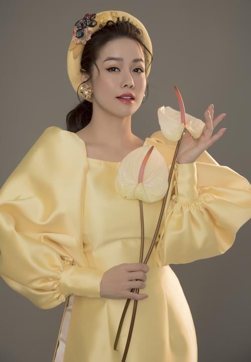 Năm 2020, Nhật Kim Anh giảm bớt các dự án cá nhân, tập trung cho kinh doanh và vụ kiện giành quyền nuôi con. Những ngày cuối năm, cô có mặt trên phim trường Lưới trời tại một số tỉnh miền Tây