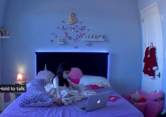 Con gái Hồng Ngọc tự cách ly trong phòng.