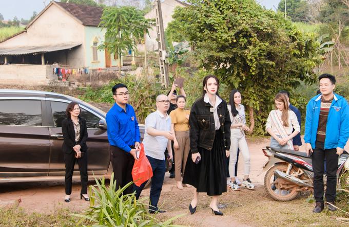 Hương Giang, Trân Đài