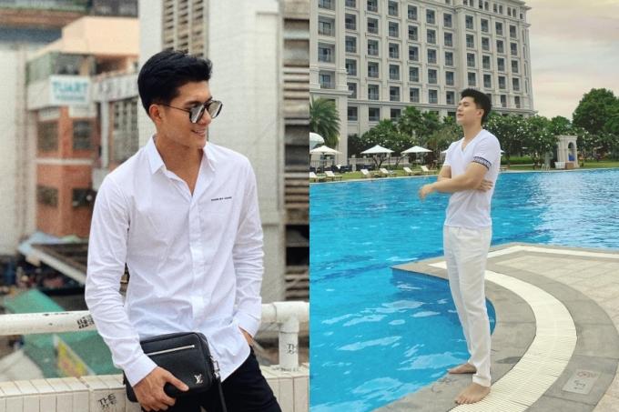 Về phong cách thời trang, người tình của giọng ca Giấc mơ có thật ăn mặc giản dị, ưa chuộng nhiều trang phục màu trắng.