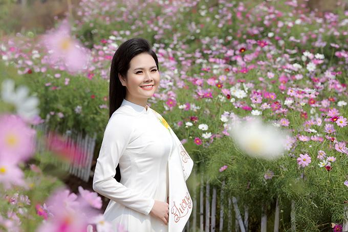 Lương Nguyệt Anh là quán quân Sao Mai 2011. Cô theo đuổi dòng nhạc dân gian và được nhiều người yêu thích với các ca khúc Nhớ lời mẹ ru, Bộ đội về làng...