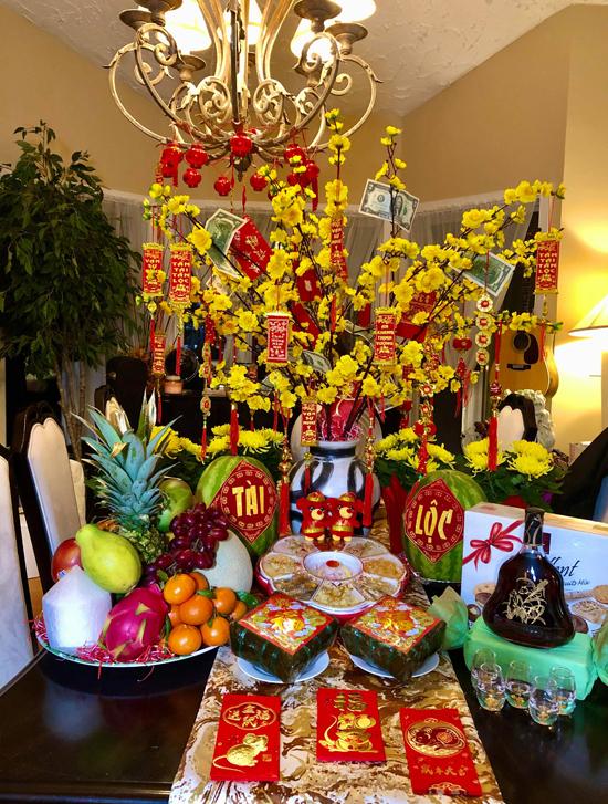 Phạm Thanh Thảo luôn chuẩn bị Tết đủ đầy, tươm tất theo đúng phong tục của người Việt, dù sống ở Mỹ.