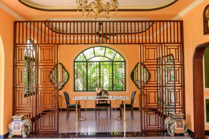 Anh ưu tiên sử dụng nhiều cửa sổ, đón ánh nắng tự nhiên và gió mát.