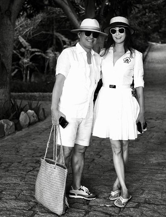 Vợ chồng Hà Kiều Anh được Hồng Nhung khen nhìn giống cặp đôi của phim Người tình khi chụp ảnh đen trắng.