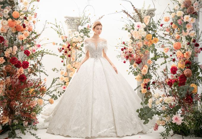 Mùa xuân hè 2021, các mẫu váy cưới kiểu Âu được dự đoán sẽ là xu hướng tiếp tục thịnh hành.