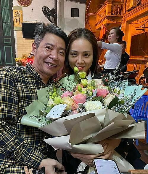 Nghệ sĩ Công Lý mừng sinh nhật muộn bà xã Ngọc Hà.