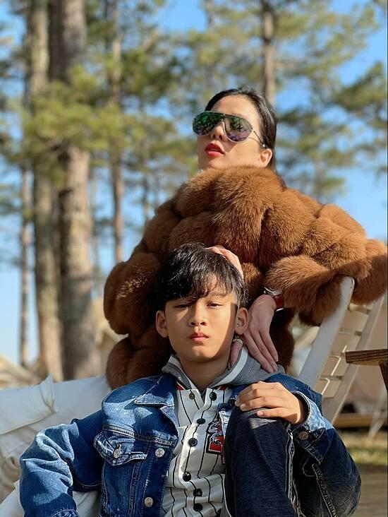 Lâm Bảo Châu đưa mẹ con Lệ Quyên đi chơi Đà Lạt