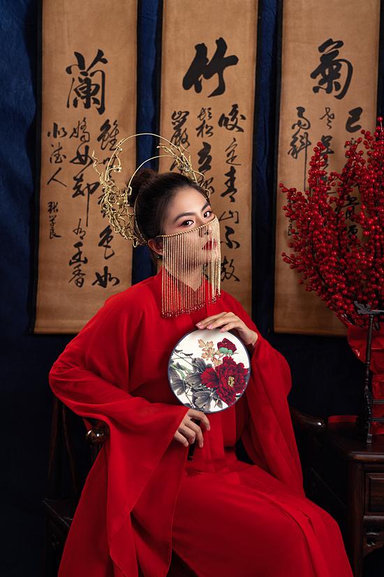 Tuy nhiên, với tình yêu nghệ thuật, nữ diễn viên cố gắng sắp xếp tham gia bộ phim Canh bạc tình yêu dài 100 tập. Đây là dự án truyền hình đầu tiên mà Vân Trang nhận lời tham gia sau năm năm vắng bóng ở lĩnh vực truyền hình. Phim ghi hình suốt 6 tháng và hoàn tất cách đây không lâu.