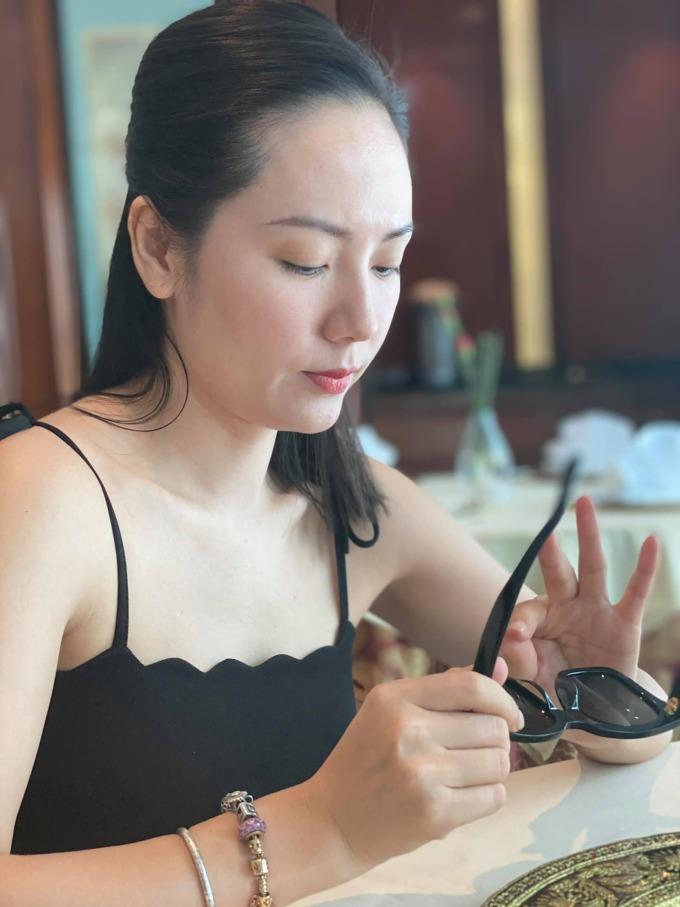 Có làn da khỏe mạnh, ít khuyết điểm nên ngày thường Phương Linh không mất nhiều thời gian cho việc trang điểm.